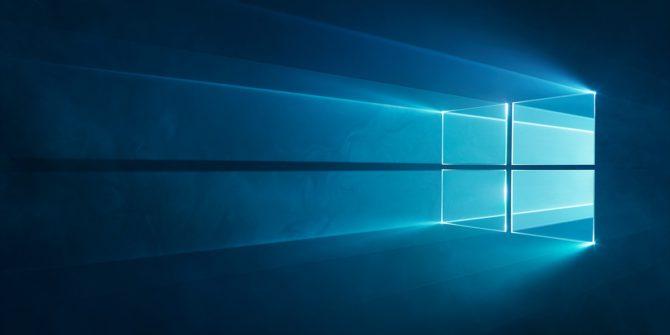 Windows 10 bakgrundsbild med någon slags holografiskt fönster som svävar på en mörkblå botten.