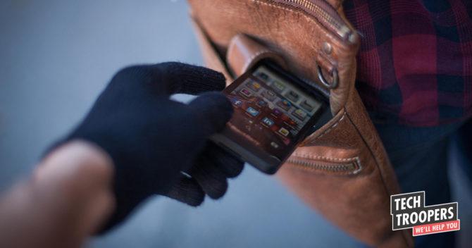 Image og hand steal smartphone from bag